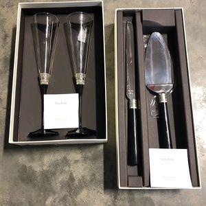 Vera Wang champagne flutes and cake cutting set